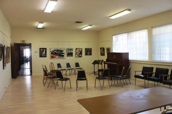 classroom-piano