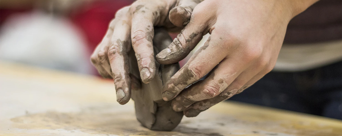 Students Use Clay to Create Ceramic Pieces